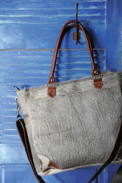 "Umhängetasche ""Donkey"", aus Leder, grau, B 37 cm, H 33 cm"