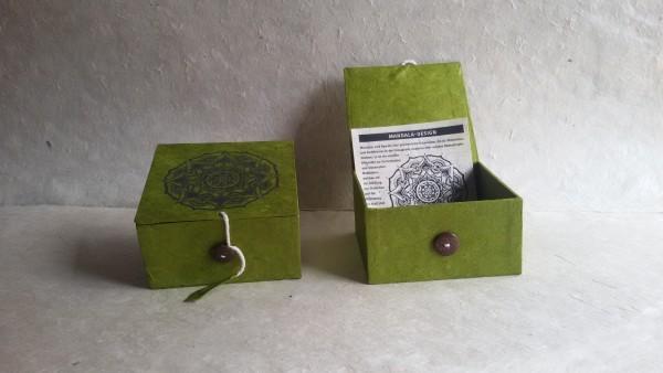 Lokta Box 'Mandala', oliv, T 11 cm, B 11 cm, H 5,5 cm
