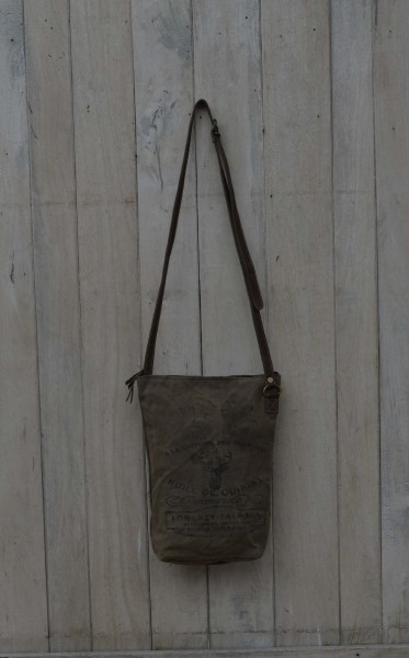"Umhängetasche ""Huile de Quinine"", braun, B 32 cm, H 39 cm"
