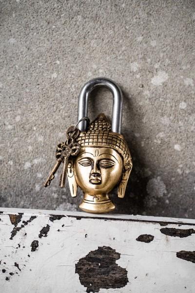 Schloss 'Buddha', T 7 cm, B 15 cm, H 4 cm