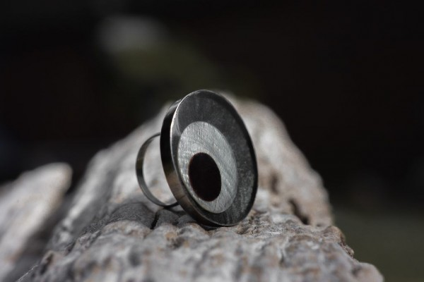 Ring Fischauge, grau, braun, T 4 cm, B 4 cm, H 2 cm