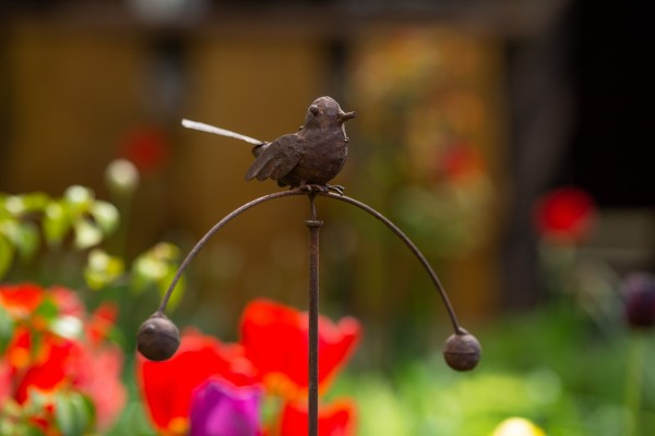 Balance-Akt Vogel 'Viktoria', rostbraun, T 15 cm, B 35 cm, H 110 cm