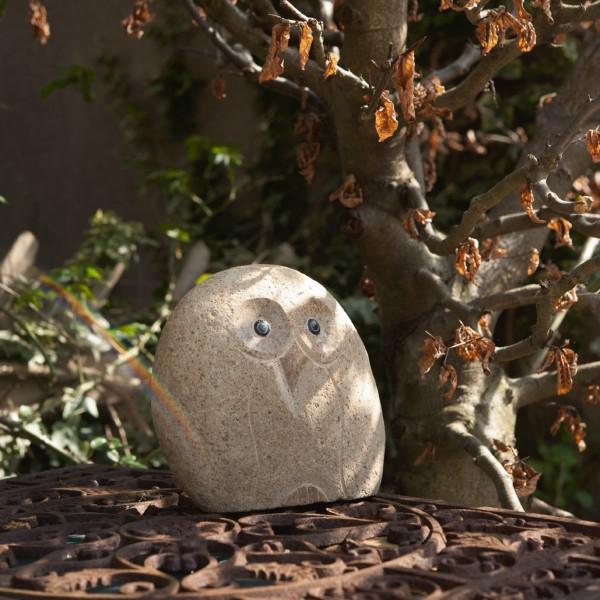 Steineulen-Skulptur aus Naturstein, H 30 cm