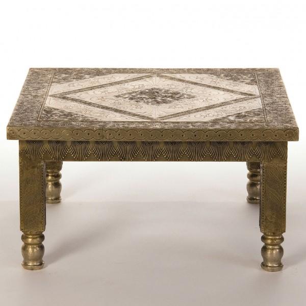 Metallbeschlagener Tisch, silber, L 60 cm, B 60 cm, H 30 cm