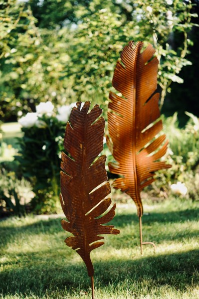 Gartenstecker 'Feder', rostbraun, T 2 cm, B 33 cm, H 110 cm