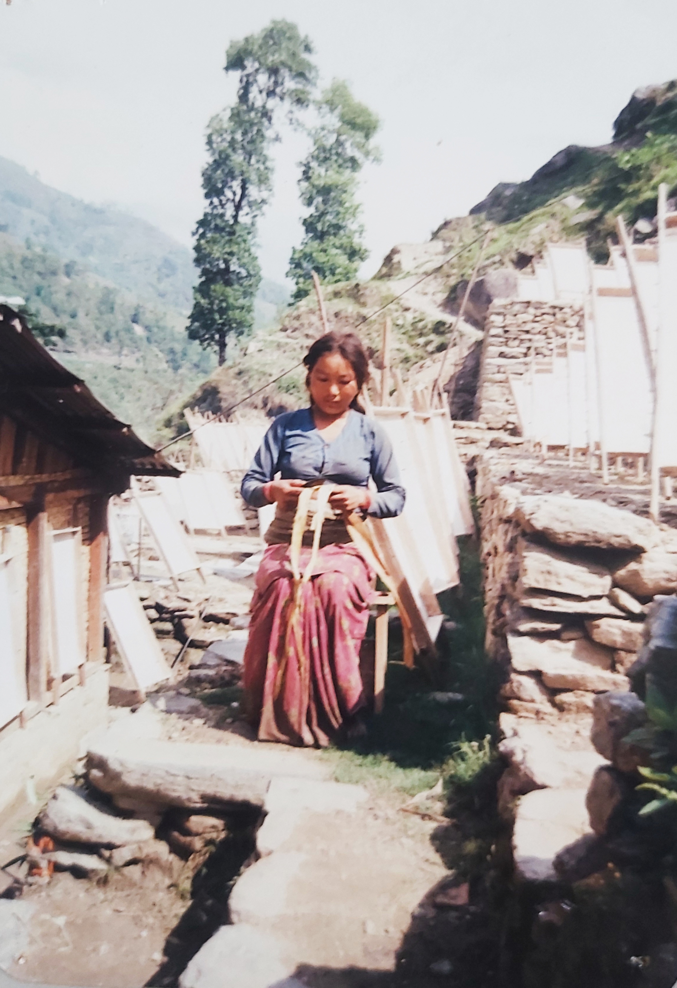 Nepal_picture-of-paper-making-3-1