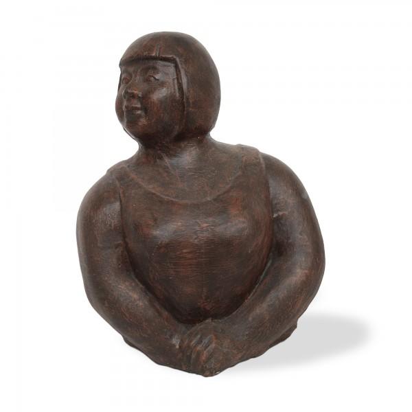 Skulptur 'Posierende Frau', T 42 cm, B 80 cm, H 57 cm