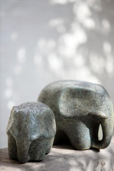Keramikelefant, grau, T 22,5 cm, B 15 cm, H 17,5 cm