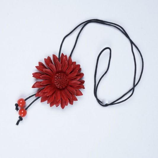 """Halskette aus Leder """"Blume rot"""", L 47 cm"""
