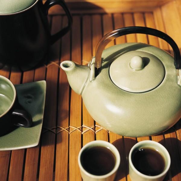 """Teekanne """"Am Qua Hong"""", lindgrün, H 8 cm, Ø 15 cm"""