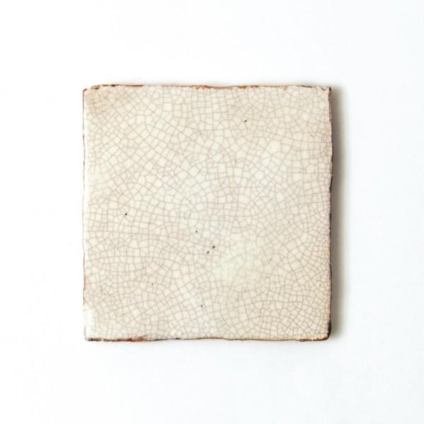 Handglasierte Kachel 'Craqueler', weiß, T 10 cm, B 10 cm, H 1 cm