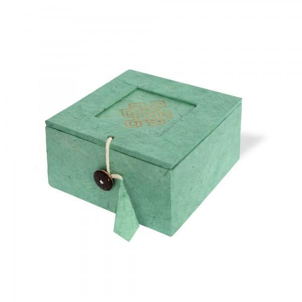 Lokta-Box 'Endlosknoten', olivgrün, T 11 cm, B 11 cm, H 5,5 cm