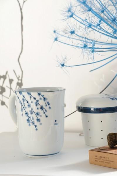 """Tee Tasse """"Meadow"""" mit Teesieb, weiß/blau, H 13,5 cm, Ø 8,5 cm"""