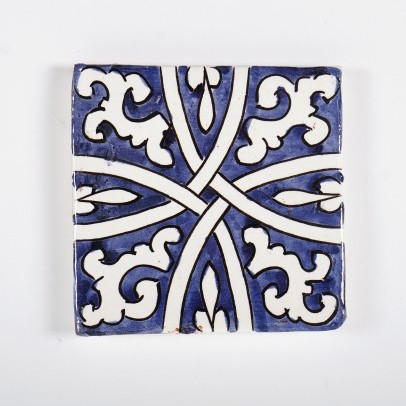 "Fliese ""noeud"", blau/weiß, L 10 cm, B 10 cm, H 1 cm"