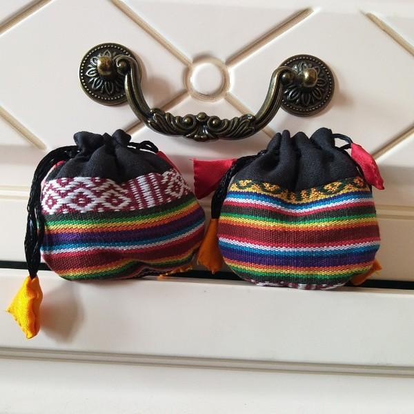 Schmucktäschchen Nepalstyle klein, multicolor, T 8 cm, B 8 cm