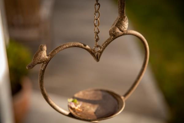 Vogeltränke 'Loubelle' hängendes Herz, rost, T 11 cm, B 21 cm, H 85 cm