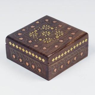 Holzbox mit Messingintarsien, braun, L 12,5 cm, B 12,5 cm, H 6 cm