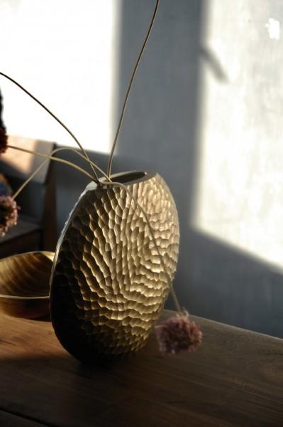 Vase 'Cialda', messing, T 7 cm, B 25 cm, H 22 cm