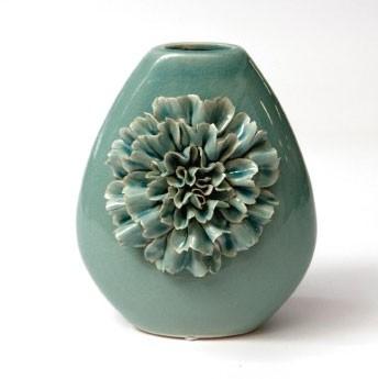 """Keramikvase """"Dianthus quadra"""" mit handmodellierten Blüten, H 20 cm"""