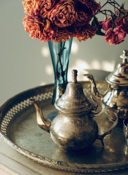 Alte Teekanne ohne Füße (groß), silber, H 15 cm
