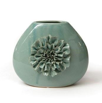 """Keramikvase """"Dianthus quadra"""" mit handmodellierten Blüten, H 21 cm"""