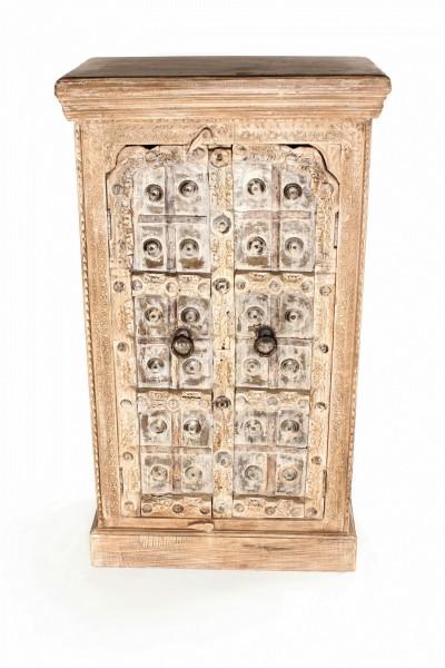 Schrank, 2 Türen, hellbraun, weiß gekälkt, T 35 cm, B 67 cm, H 110 cm
