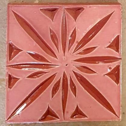 Kachel 'gaviert', rose, T 10 cm, B 10 cm, H 1 cm