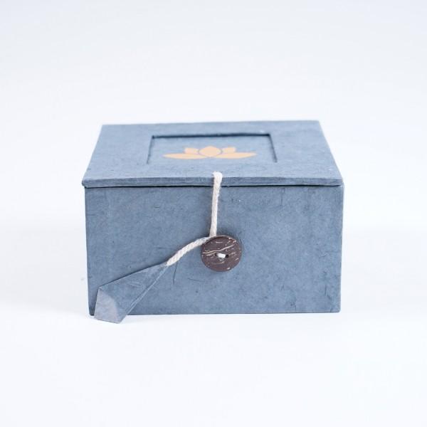 Lotusbox aus Loktapapier, grau, L 11 cm, B 11 cm, H 5,5 cm