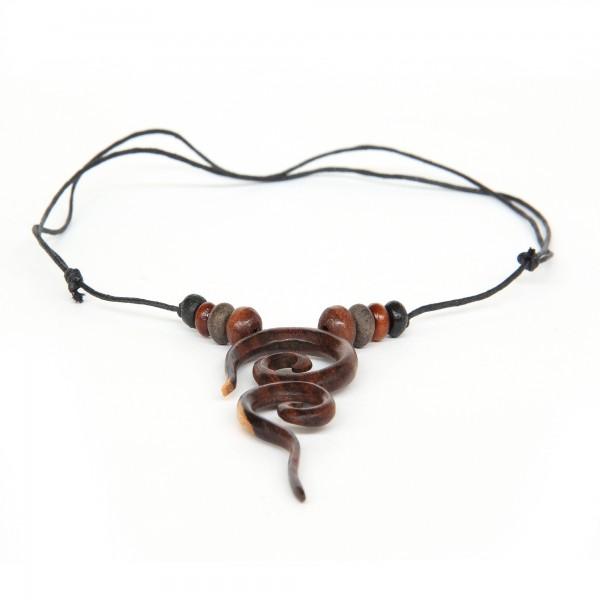 Handgeschnitzte Halskette, multicolor, T 4 cm, B 4 cm, H 2 cm
