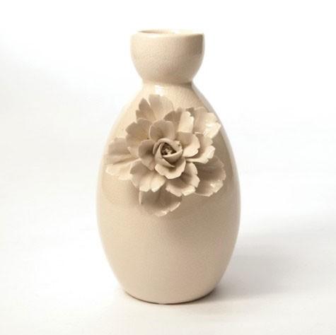 """Vase """"Rosa Violaceus"""", mit handmodellierten Blüten, Ø 16 cm, H 25 cm"""