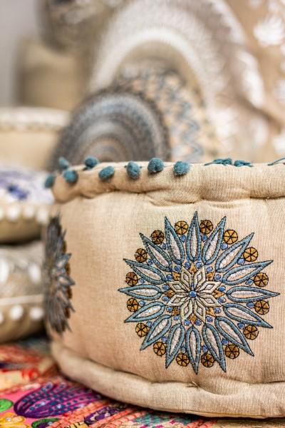 Pouf Mandala 'Jameen', beige, flieder, Ø 40 cm, H 20 cm