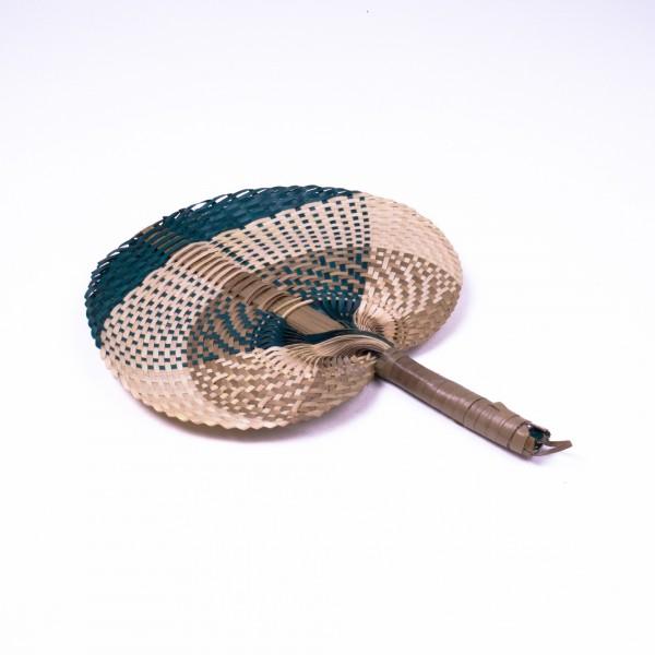 Handfächer aus geflochtenen Gräsern, grün/weiß, L 29 cm, B 21 cm