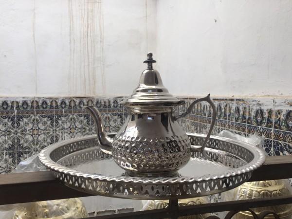 Teekanne klein versilbert, silber, T 11 cm, B 20 cm, H 20 cm