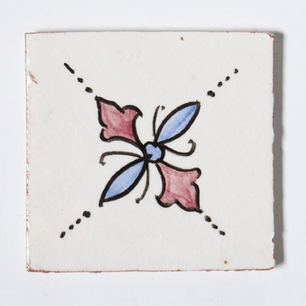 "Fliese ""trèfle blanc"", beige/rot, L 10 cm, B 10 cm, H 1 cm"