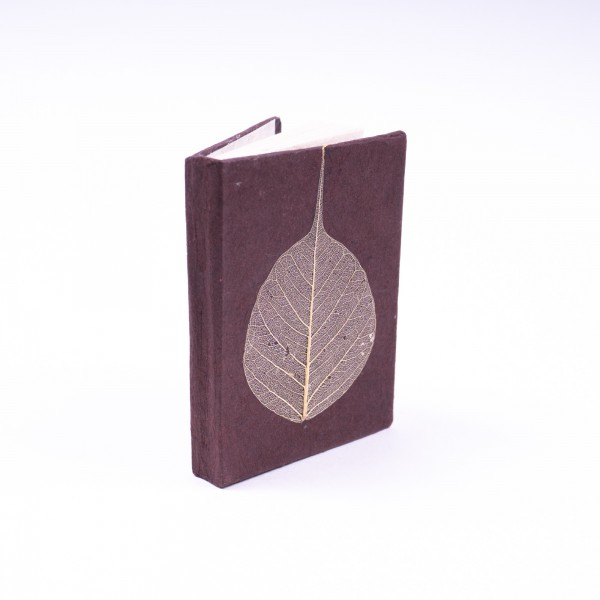 "Notizbuch ""Blatt"" aus handgeschöpftem Papier, bordeaux, B 5,5 cm, H 7,5 cm"