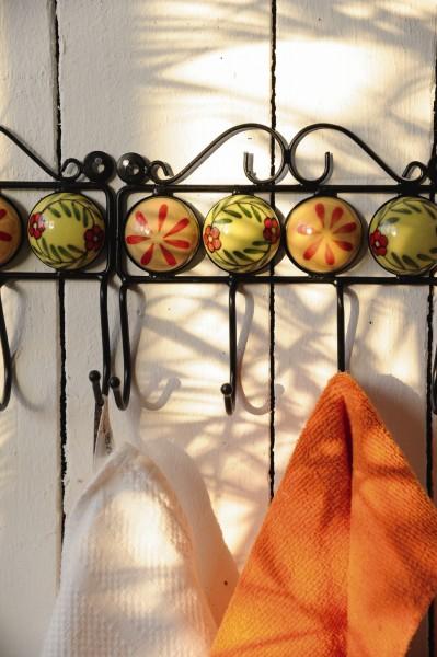 Wandhaken 4fach, beige/rot/grün, L 4,5 cm, B 18,5 cm, H 15 cm