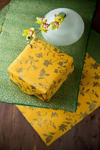 Geschenkpapier 'Blumen', senf, gold, T 76 cm, B 51 cm