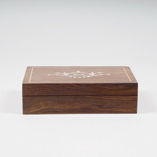 Holzschatulle mit Schnitzerei, braun, L 25 cm, B 18 cm, H 6 cm