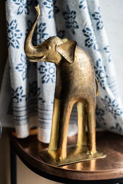 Elefant antik, T 21 cm, B 8,5 cm, H 35 cm