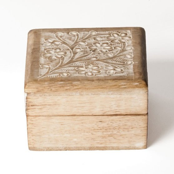 "Holzbox ""Sajili"", weiß, L 10 cm, B 10 cm, H 6,5 cm"