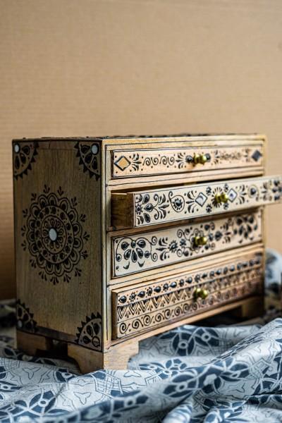 Truhe 'Shaime' klein 4 Schubladen, natur, schwarz, T 28 cm, B 13 cm, H 22 cm