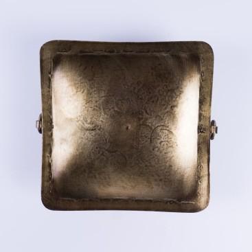 Kerzenständer klein aus Metall, vernickelt, L 15 cm, B 15 cm, H 4 cm