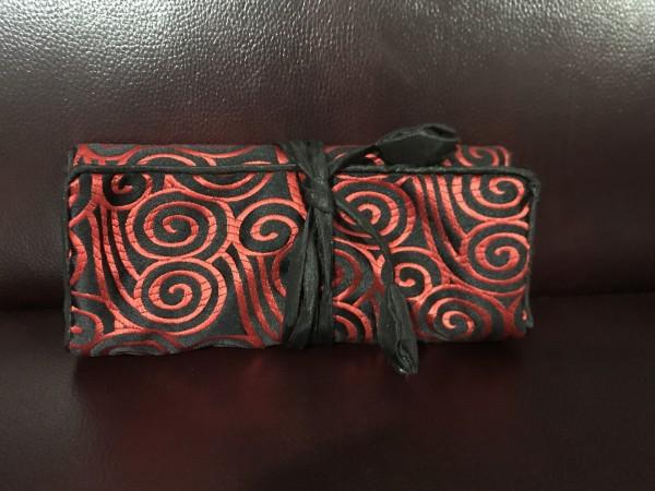 Schmucktäschchen faltbar, schwarz/rot, B 19 cm, H 9 cm
