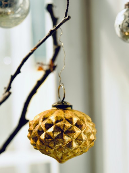 Anhänger Zapfen, gold, T 7 cm, B 7 cm, H 7 cm