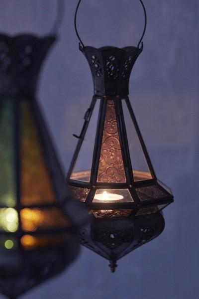 Laterne 'Mini Tria Khalid' inkl. Glas (rot), antik-braun, H 30 cm, Ø 15 cm