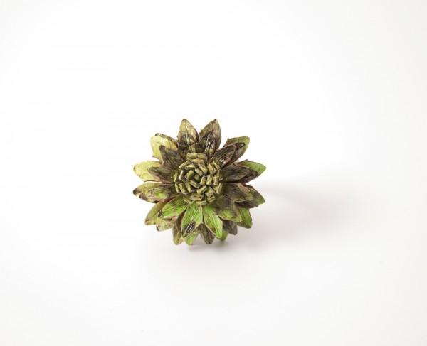 Ring Blume Leder, grün, T 4 cm, B 4 cm, H 2 cm