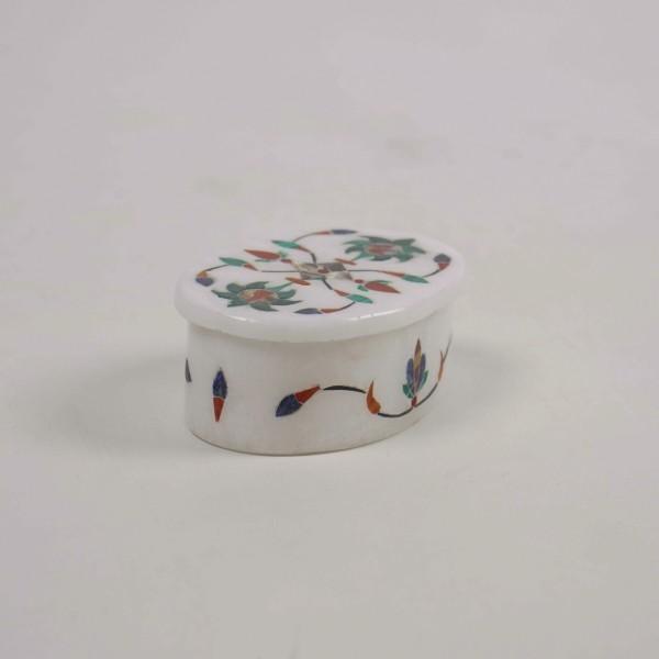 ovale Marmor-Dose 'Knospen', aus Naturstein, weiß, L 5 cm, B 7 cm, H 4 cm