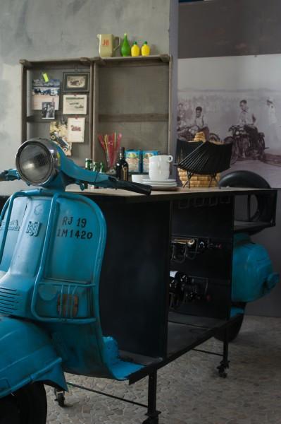 Roller-Bar, blau, T 65 cm, B 250 cm, H 108 cm