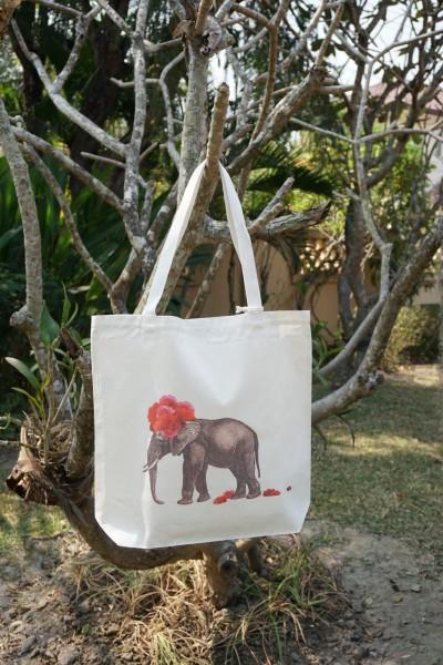 Stoffbeutel 'Elefantendame', weiß, schwarz, rot, T 40 cm, B 9 cm, H 40 cm
