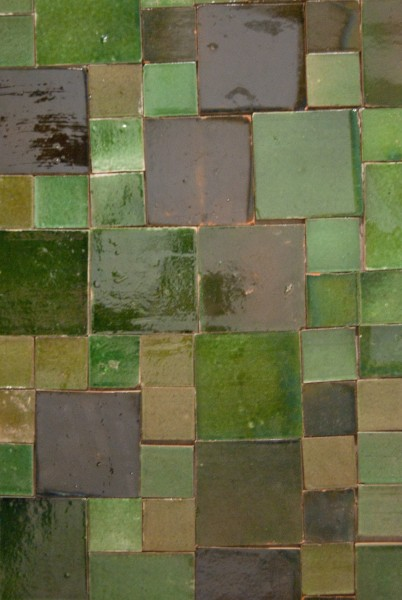 handglasierte Kachel, jadegrün, T 5 cm, B 5 cm, H 1 cm